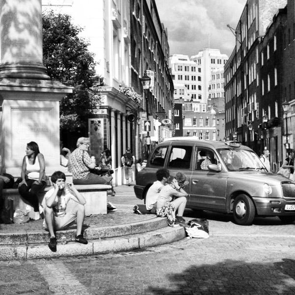 Streets of London. Mobilfoto.
