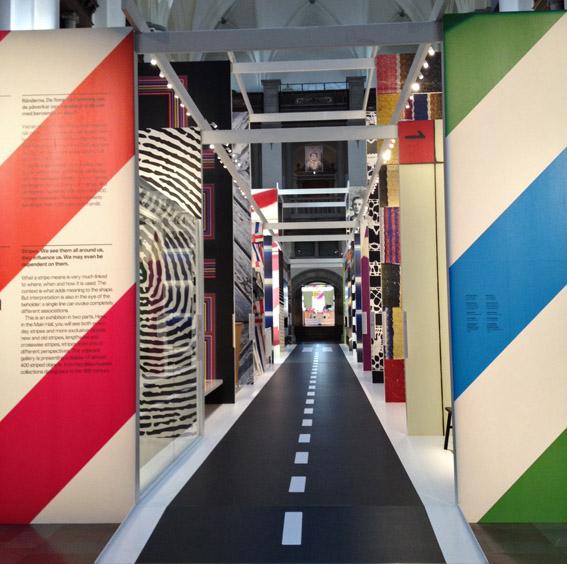 Ränder, rytm, riktning är en utställning om ränder som startar idag på Nordiska museet.