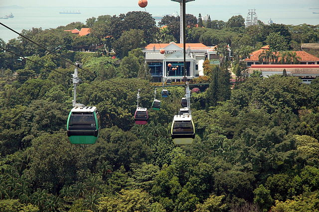 Creative Commons. Cable cars in Singapore. Attribution: Nachoman-au